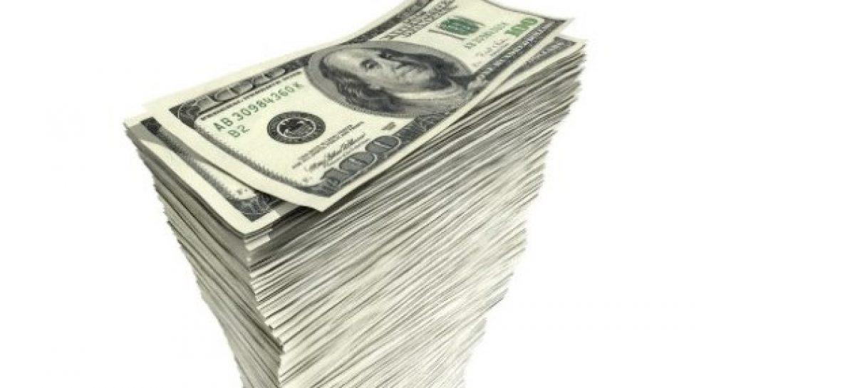 Al igual que La Rioja, las otras provincias toman deuda en dólares