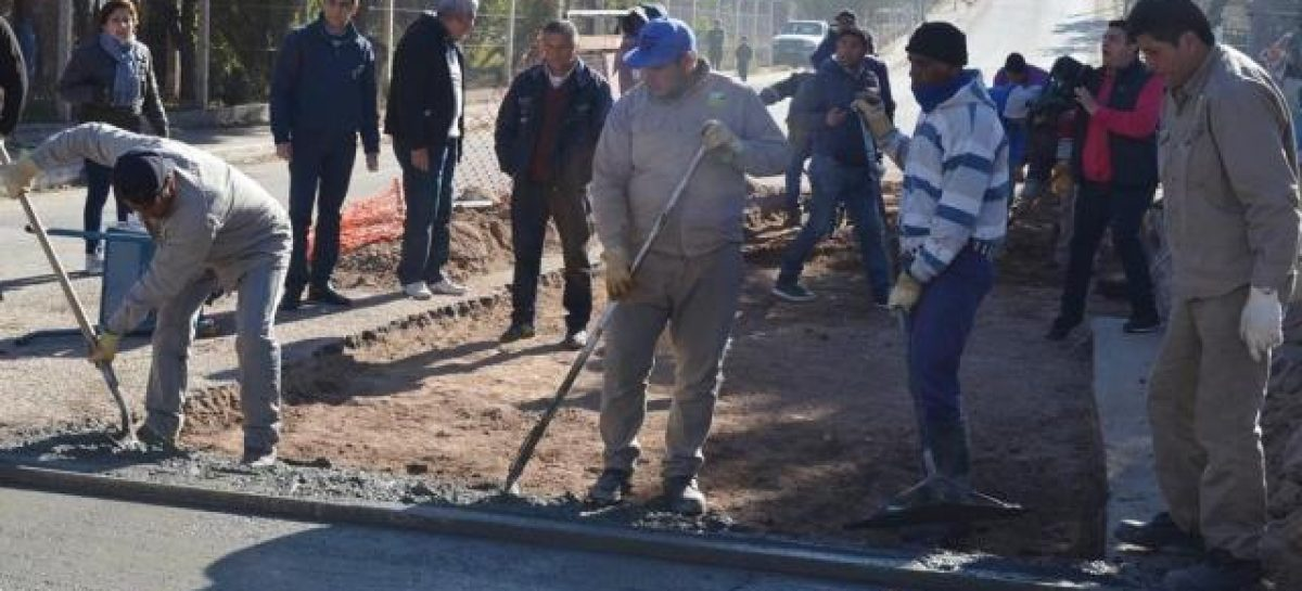 Responsabilizan a Aguas Riojanas por los baches en las calles
