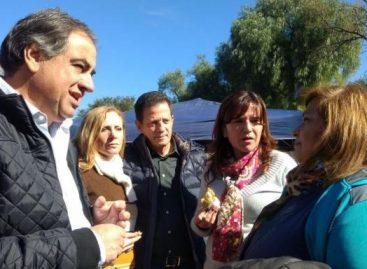 Martínez en campaña, logró asistencia financiera a escuelas