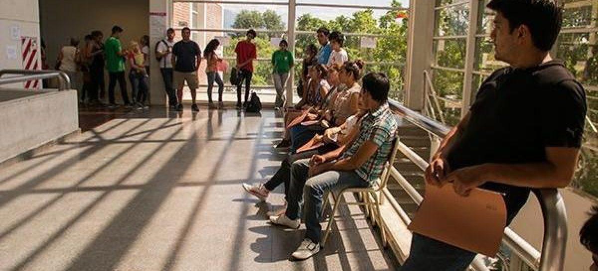 UNLaR. Alumnos, en pie de guerra contra los paros docentes