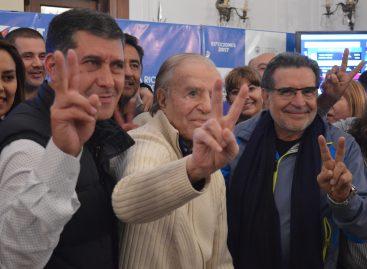 De la mano de Carlos Menem, el PJ se alzó con las PASO