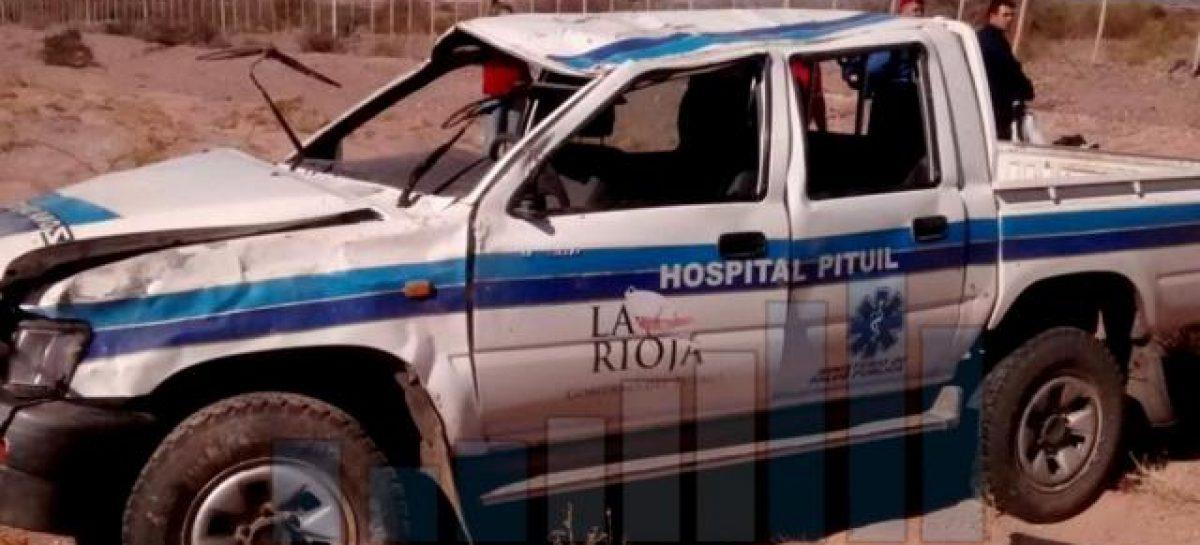 Camioneta oficial volcó y dejó un ocupante en terapia intensiva