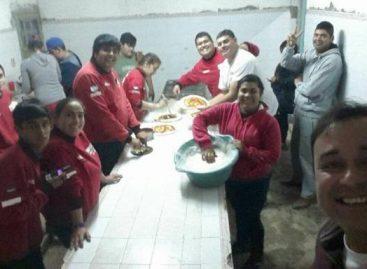 Bomberos 'Aguilas de Acero' venden pizzas para autofinanciarse