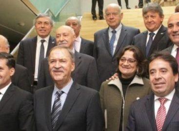 Casas y una docena de gobernadores con reclamos a Nación
