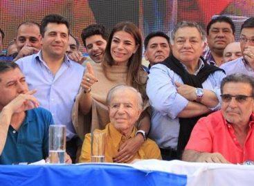 Carlos Menem, con el camino allanado para ser candidato
