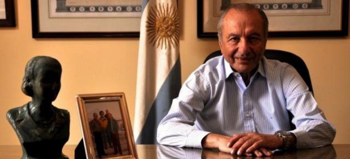 Eduardo Menem respaldó el proceso de enmienda y consulta popular