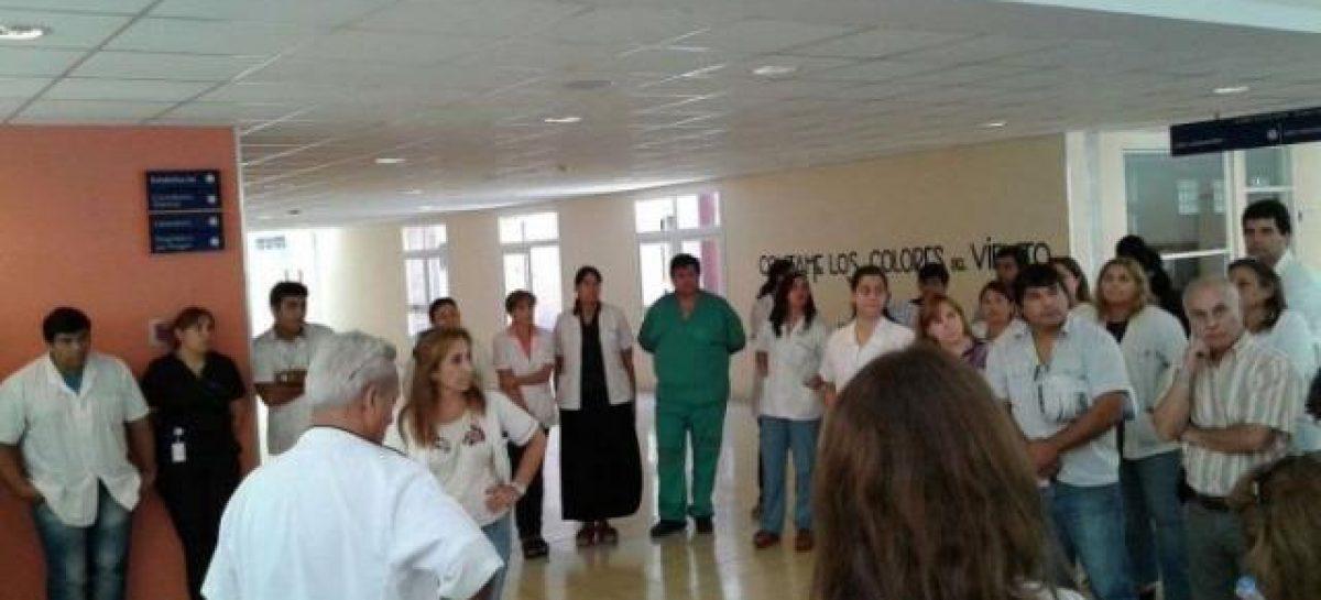Ginecólogos del Vera Barros resisten traslado al HMyN