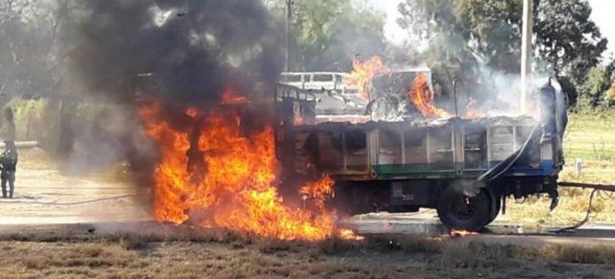 Se incendió completamente camión sobre ruta 38