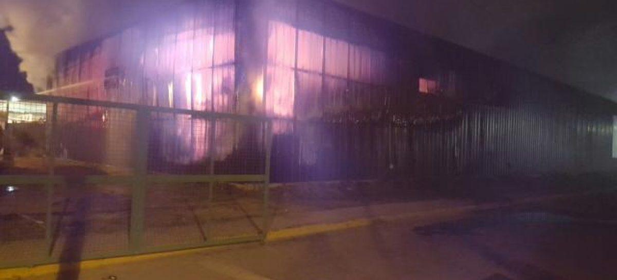Incendio dejó reducido a cenizas local en predio del Chango Más