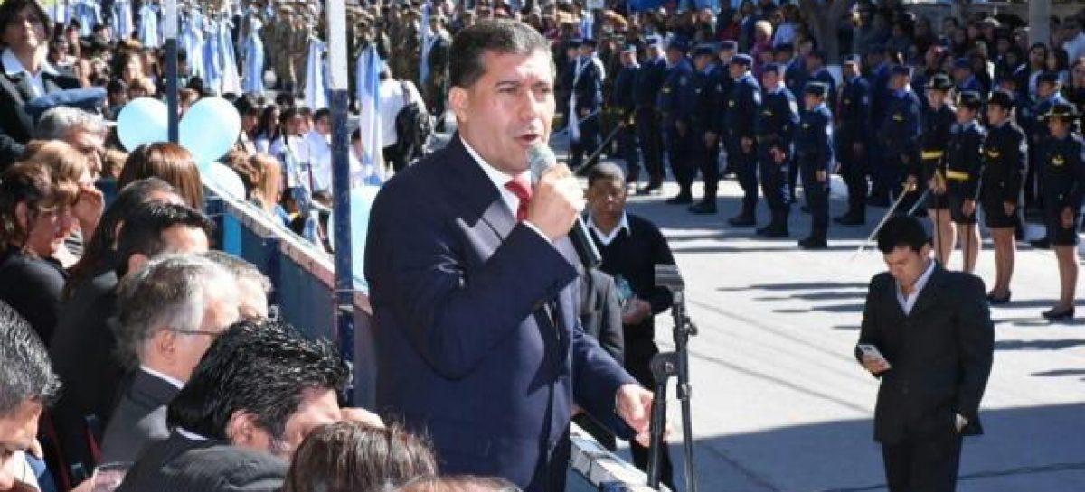 Casas con pedido de unidad del PJ e indirectas a Nación
