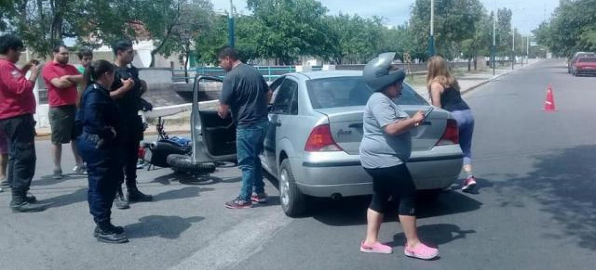 Policía borracho atropelló motociclista: fue detenido por el 840