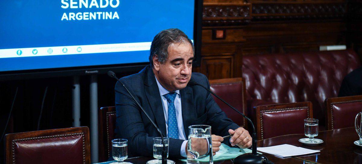 Julio Martínez preside comisión clave en el Senado