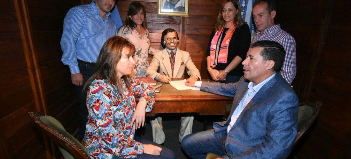 Carlos Menem ya tiene escultura propia en su tierra natal Anillaco
