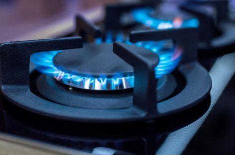 Hace falta el 6% de un salario promedio para pagar la luz y el gas