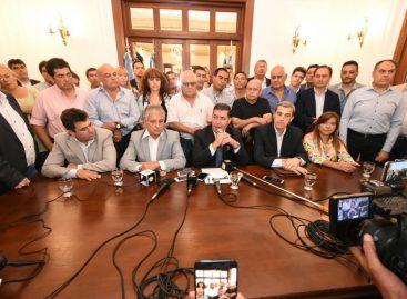 Confirman 8% de aumento salarial a estatales riojanos