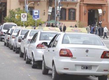 Taxis y remises insisten con un 30% de aumento