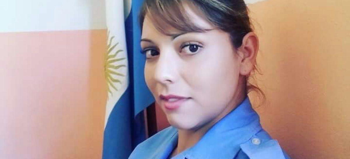 Mujer policía limpiaba su arma y se disparó accidentalmente en el abdómen