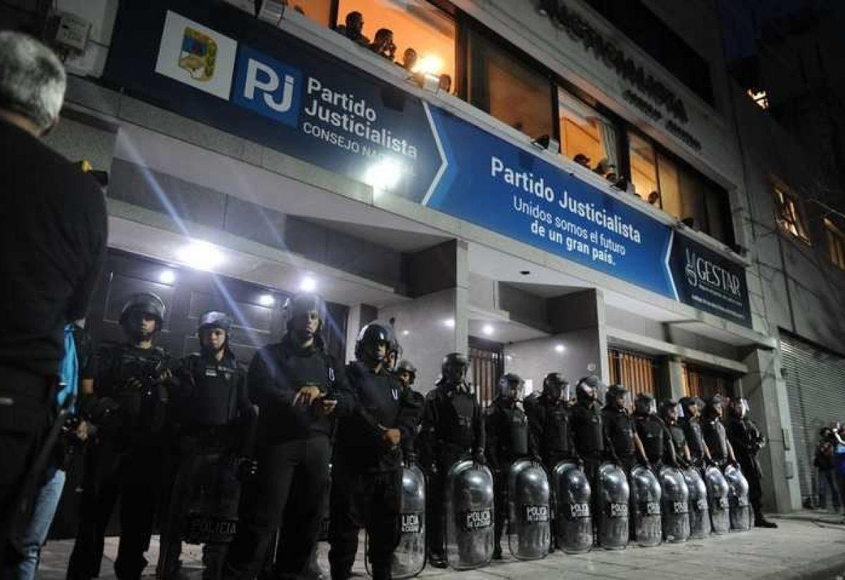 Polémico. El PJ Nacional intervenido por decisión de la Justicia Federal: Luis Barrionuevo interventor