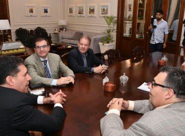 El gobierno y la oposición abrieron un canal de diálogo