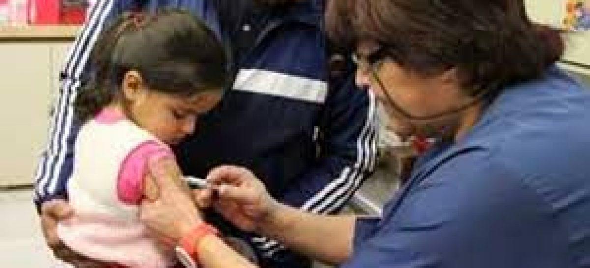Sarampión: aconsejan tener actualizado calendario de vacunación de los chicos