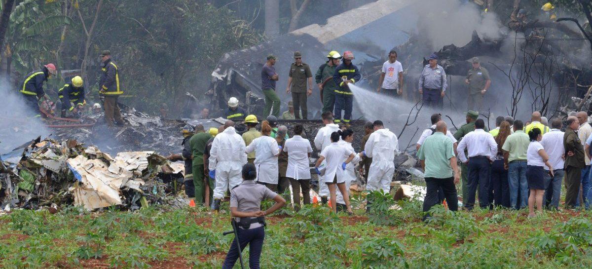 En Cuba cayó un avión con 104 pasajeros y solo 3 sobrevivieron