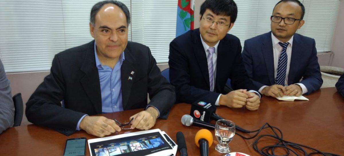 El gigante Huawei no descarta invertir en energía limpia en La Rioja