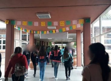 Acusan a la escuela PIO XII de echar una docente por 'feminista'