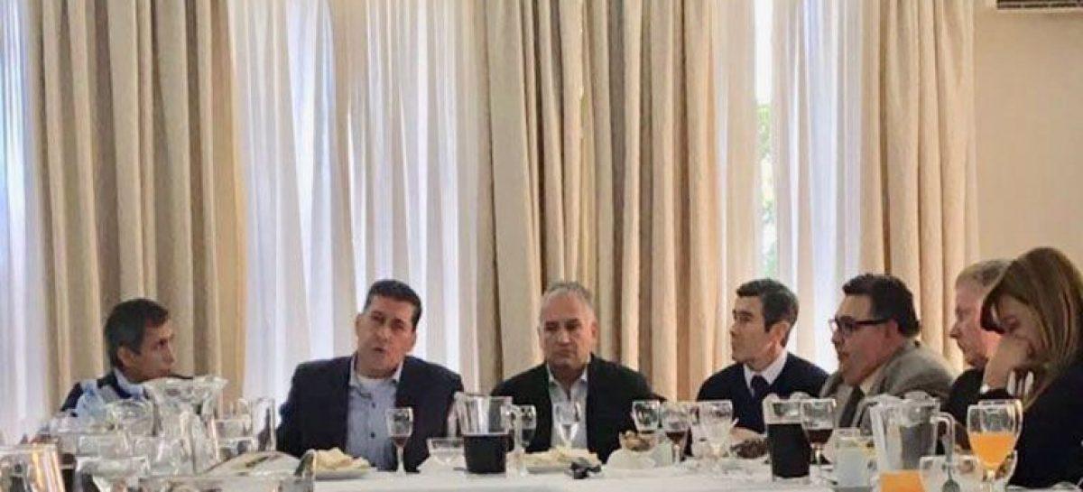 Casas retomó el diálogo institucional con Paredes Urquiza