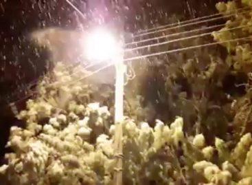 El frío polar trajo nevadas en localidades del interior provincial