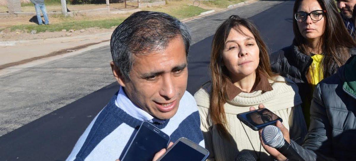 Paredes a favor de retomar el 'diálogo institucional' con Casas