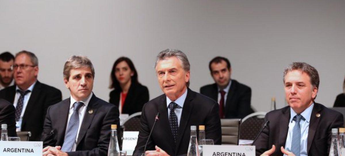 Macri molesto porque los gobernadores no aceptan ajustar