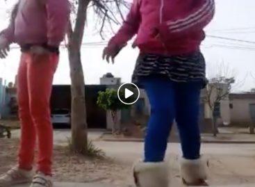 Indignante. Motochorros atacan a niños que jugaban en la vereda
