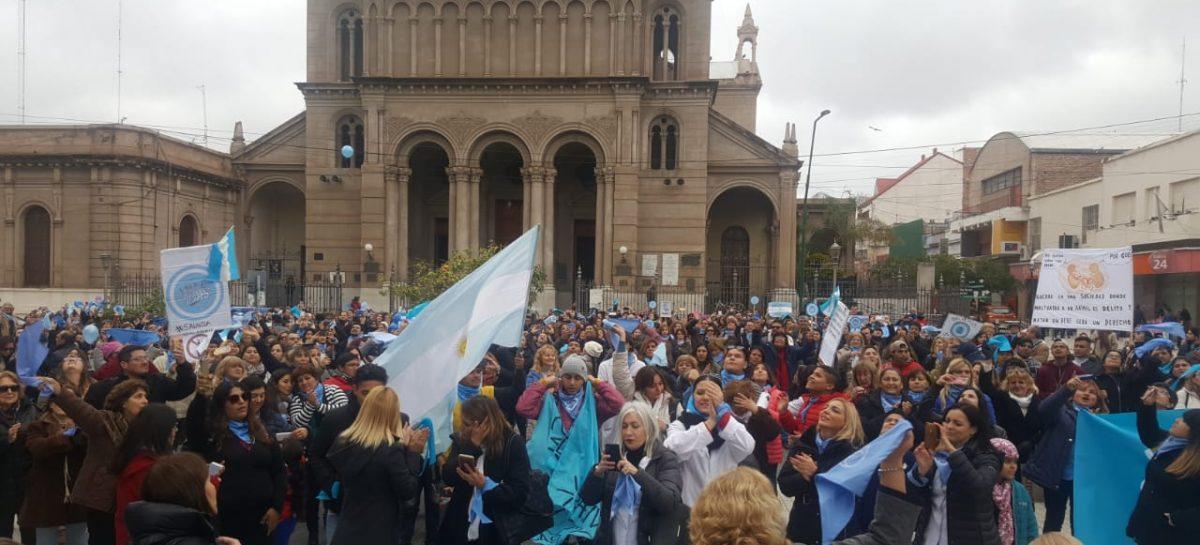 Con una masiva convocatoria marcharon contra del Aborto Legal