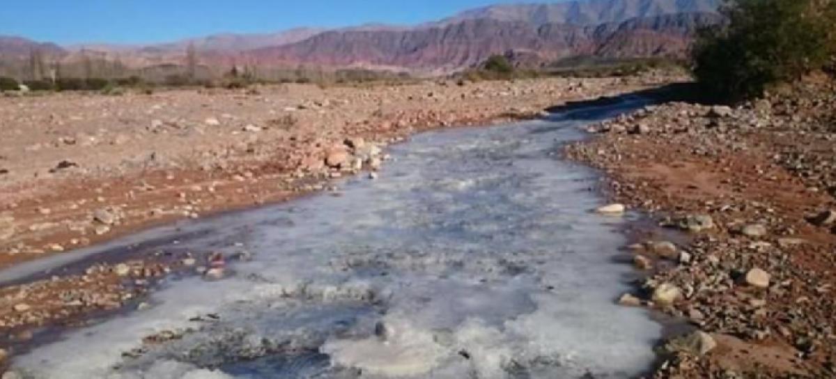 Las bajas temperaturas congelaron ríos en Famatina