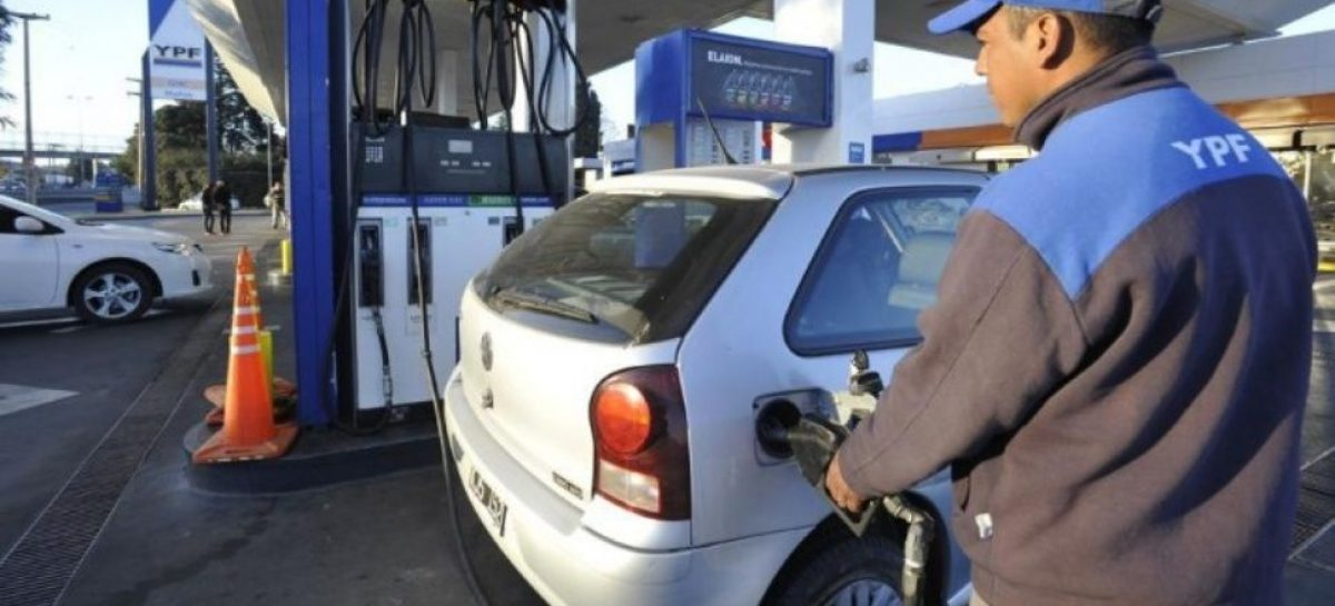 Siguiendo a Shell, también YPF subió el 1,7% sus combustibles