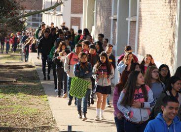 UNLaR. Marcha en defensa de la Universidad Pública y Gratuita