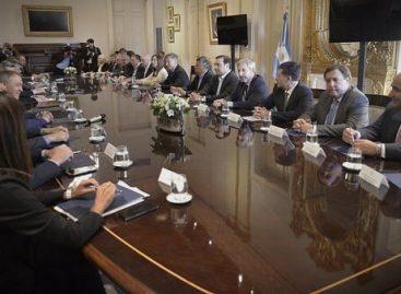 Gobernadores del PJ garantizaron a Macri aprobación del Presupuesto
