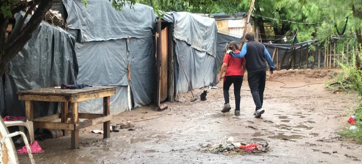 Asisten a familias de una docena de barrios y asentamientos