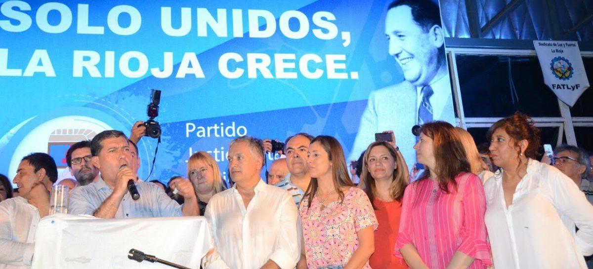 """Casas al mejor estilo Menem: """"Todos unidos triunfaremos"""""""