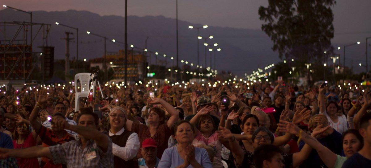 La fe llevó una multitud a las misas de Betancourt