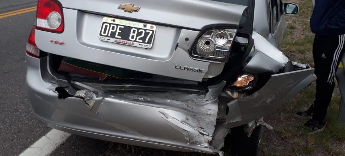Se durmió en la ruta y chocó su auto contra un árbol