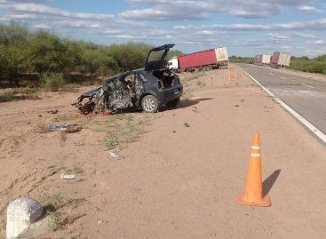 Chocó de frente contra un camión y perdió la vida en el acto