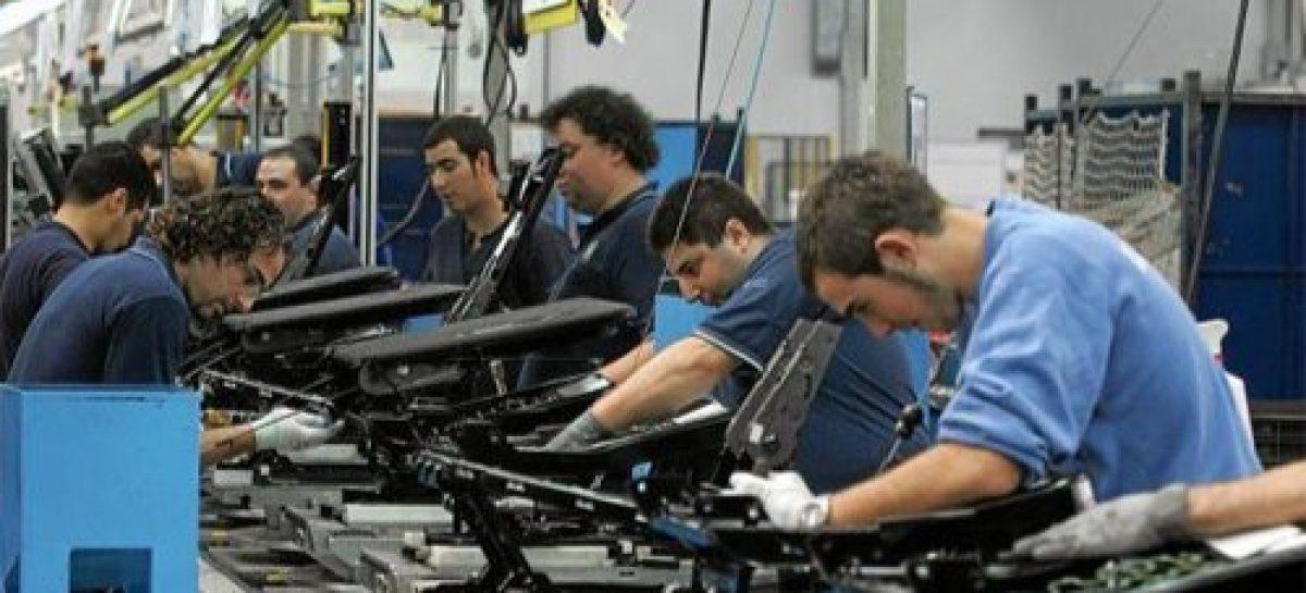 Oficial. 120.000 empleos registrados menos en el último año