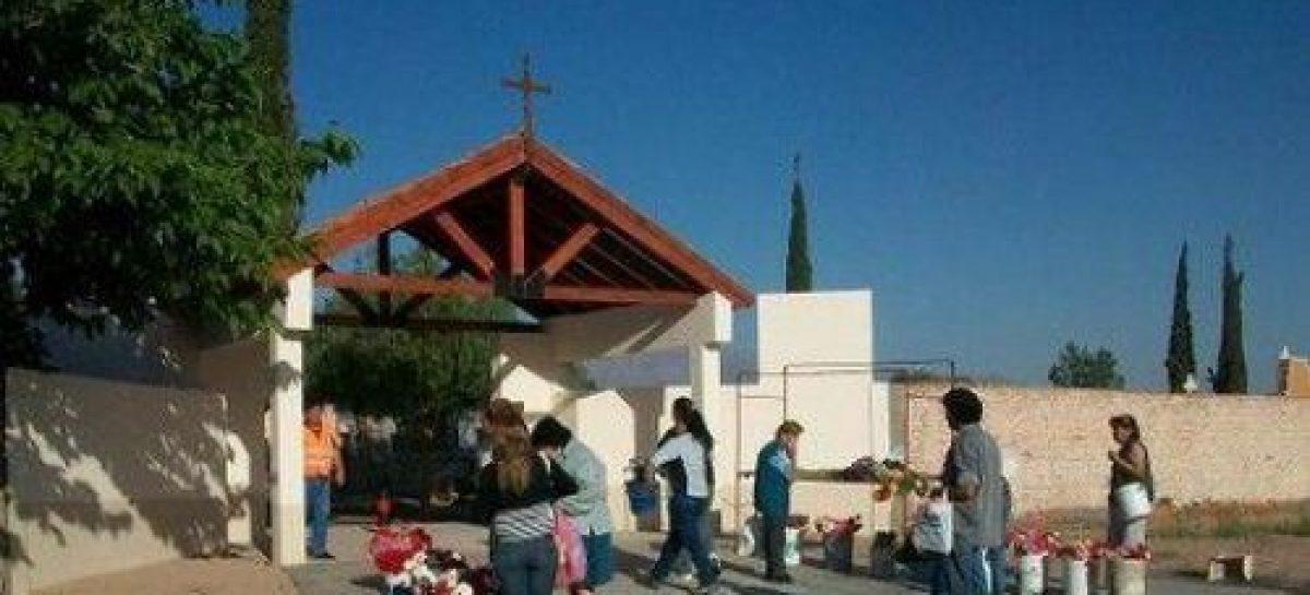 Menor quiso pasar Navidad en el cementerio para estar con su madre