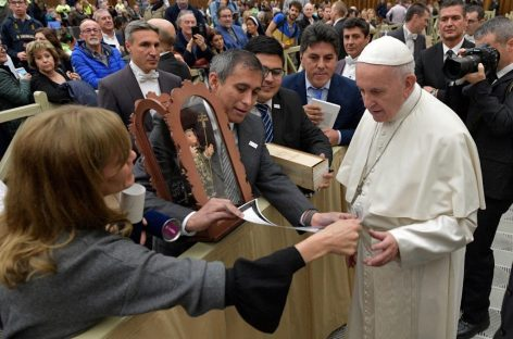 Paredes Urquiza visitó el Vaticano y tuvo contacto con el Papa Francisco