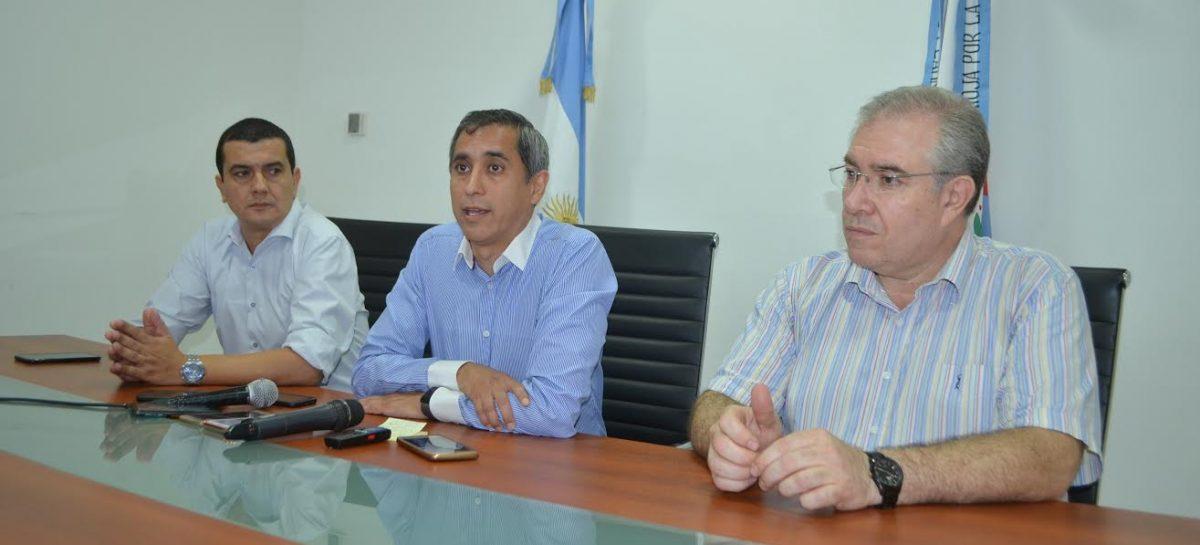 Paredes anunció una drástica reducción de servicios públicos