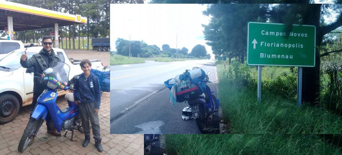 Travesía riojana. Recorre Sudamérica con su hijo en una moto 110 cc.