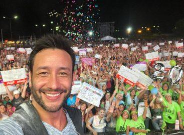 Luciano Pereyra hizo bailar y cantar en la apertura de la Chaya 2019