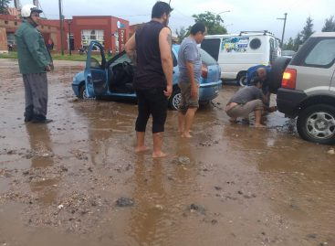 Graves inundaciones en varios sectores de Capital