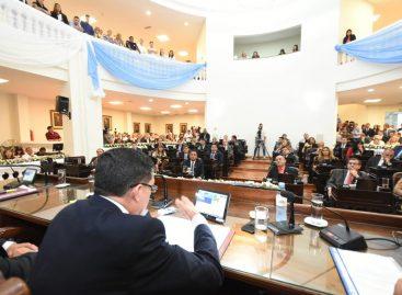 Casas contra la oposición por la «judicialización» de la política